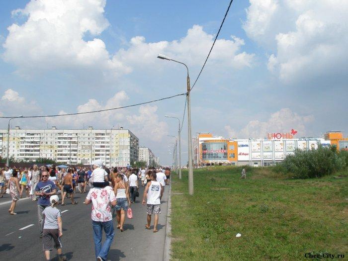 """Открытие ТРЦ """"Июнь"""", по дороге"""