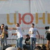 """Открытие ТРЦ """"Июнь"""", соло на саксофоне"""